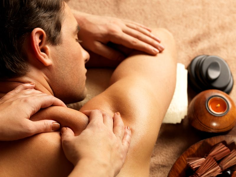 How Oil Massage Can Penetrate Skin